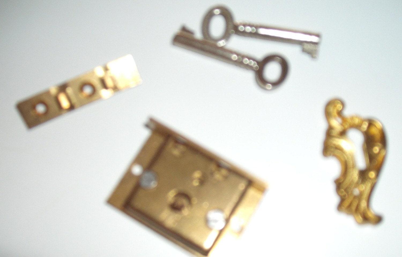 Vintage desk drawer lock assembly