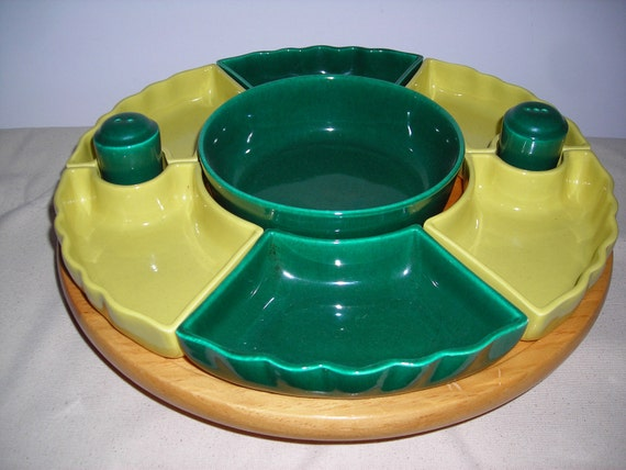 Mid-Century Butternut Wood Lazy Susan with nested Salt Pepper Shakers, cheerful Green and Yellow
