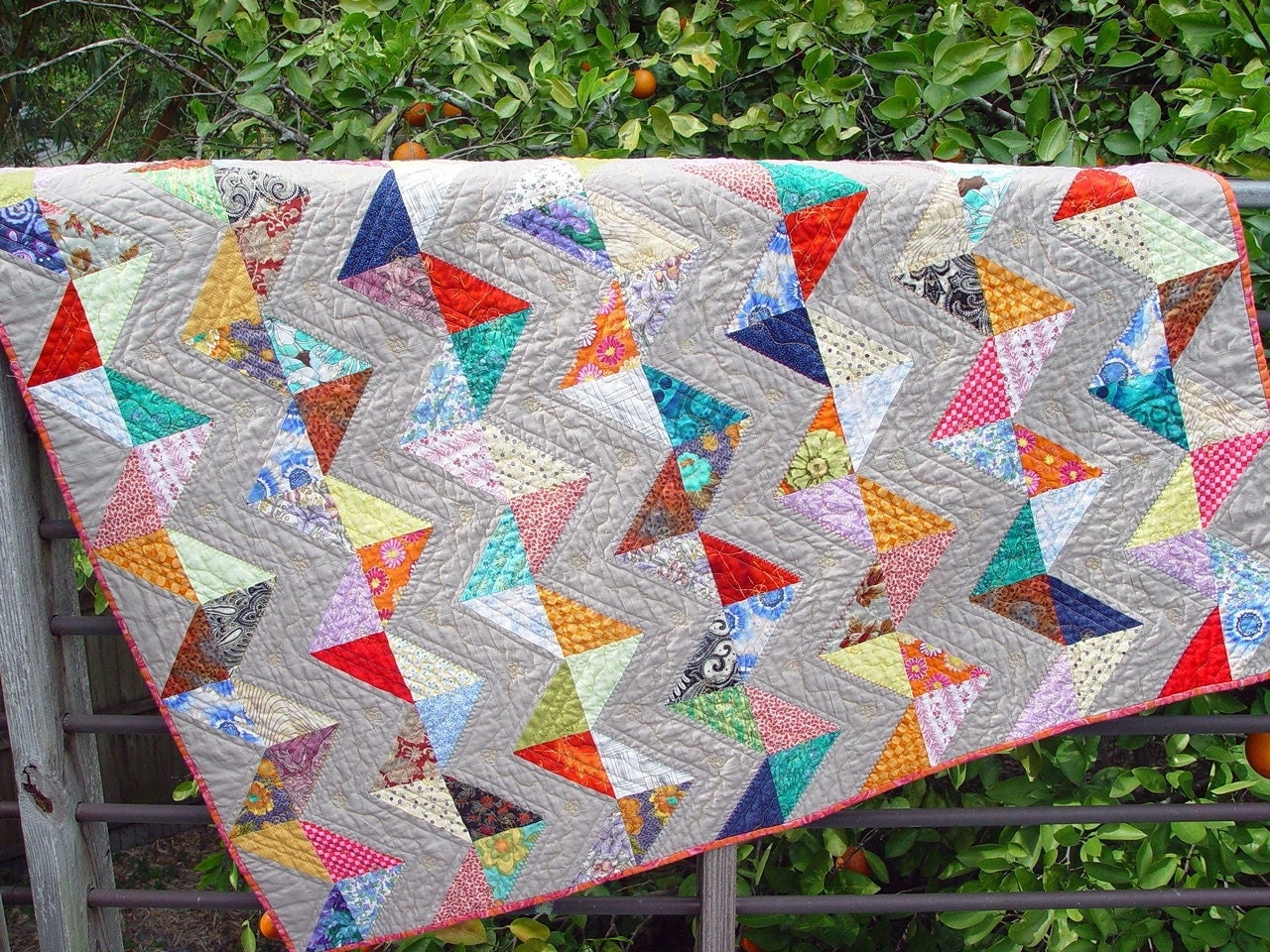 Zig Zag Quilt Pattern No Triangles : Zig Zag Triangle Lap Quilt