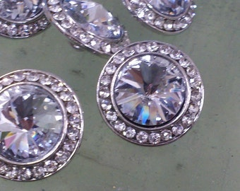 10 Pieces  Silver Metal  Clear Glass  Rhinestone Buttons. Great for Bridal Accessory .  22 mm