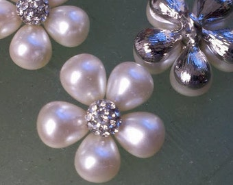 Ivory Pearl and Rhinestone Silver  Metal  Buttons in a Flower Pattern  25 mm. 10 Pieces Bridal Embellishment