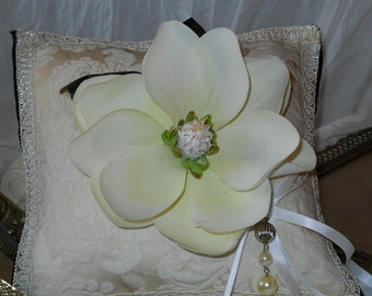 Flower Cream  Ring Boy Pillow