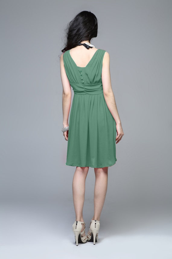 Elegant silk spring dress in green (JS132)