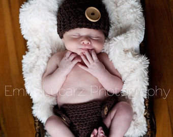 NEWBORN SET, Baby Boy Outfit, Flapper Baby Hat, Brown with Wooden Button and Matching Diaper Cover. Newborn Photo Shoots. Baby Gift.