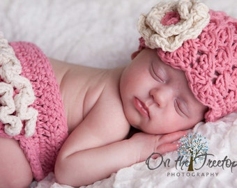 NEWBORN Baby Girl Hat, 0 to 1 Months Baby Girl Hat, Rose Pink Flapper Hat with Cream Flower. Great for Photo Props. Baby Shower Gift
