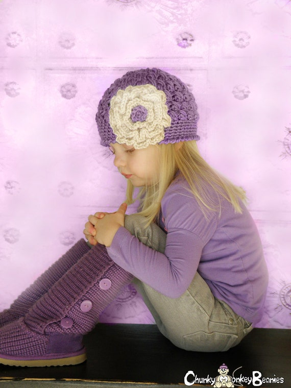 Girl Hat, 12 to 24 Months Baby Girl Hat, Girl Flapper Hat, Lavender with Vanilla Cream Flower. Great for Photo Props, Baby Gift.