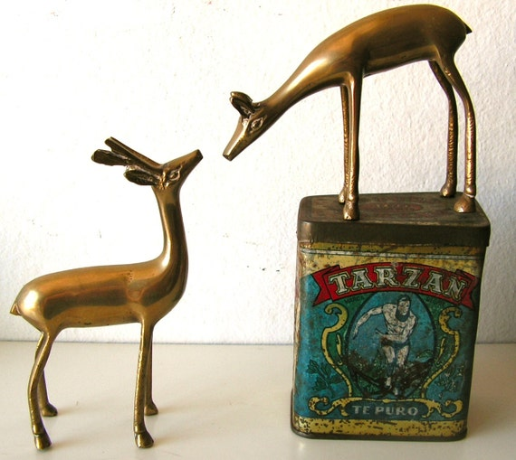 Stunning vintage deer figurine, female, brass