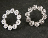 Wedding Silver Stud Earrings, Stud Earrings, Wedding Jewelry, Bridal Earrings, Silver Flowers Earrings , Post Earrings, Round Stud