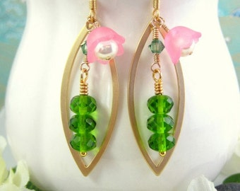 Pink blossom pea in a pod earrings, green and pink pea earrings, pea pod pink and green earrings, botanical green and pink tulip earrings