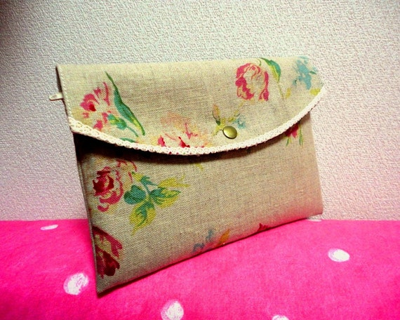 Shabby chic Cosmetic and other pouch with zipper and hocks