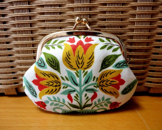 Tiny coin purse with Folk floral tulips, clasp purse