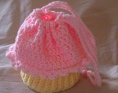 Pink and Yellow cupcake purse with frosting in crochet