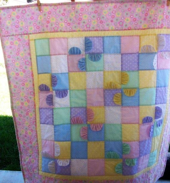 Baby Quilt, Pastel Ruffled Pinwheel