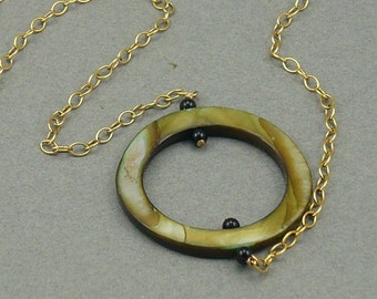 Mossy Ring gold necklace
