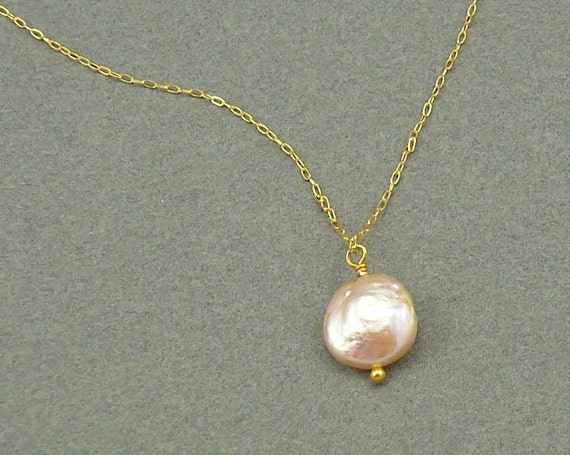 Droplet peach pearl gold necklace