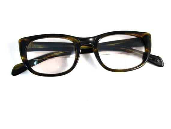 SALE olive tortoise horn rimmed cat eye glasses. mens/unisex. universal retro brand. 48 22. (VFAC)