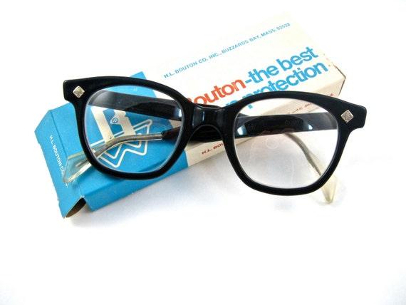 black plastic horn rimmed mens/unisex glasses. safety. new old stock NOS/deadstock. bouton u-fit. clear lenses. size 50.
