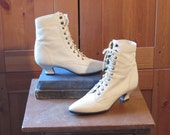 Vintage 80s Lace Up Ankle Boots. Victorian Granny. Ivory White. Size 7 and a half.