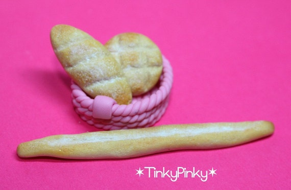 SALES 1/12 miniature breads and pink basket (4pcs)