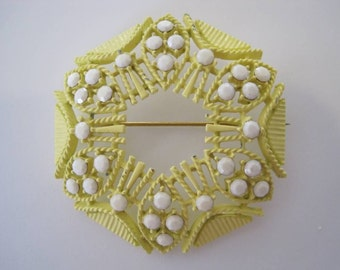 Vintage 60s - 70s Yellow Brooch