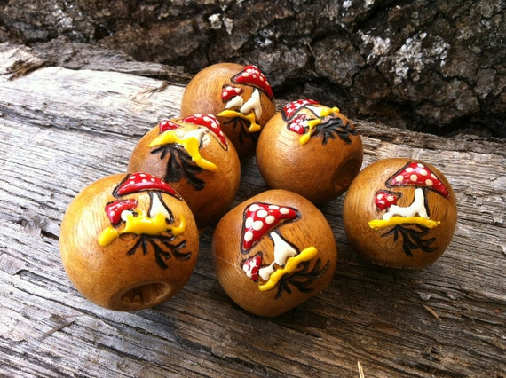 Large Vintage Beads Wooden Beads with 3D Mushrooms Hippie Folk Jewelry Supplies Painted Eleven Beads