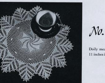 PDF Centerpiece or Placemat Doily Vintage Crochet Pattern, c. 1944