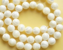 8mm Mother of pearl,, round beads, (8mm) FULL STRAND