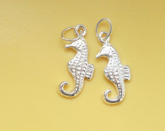 2 pcs Sterling silver  Sea Horse charms (11x7mm),