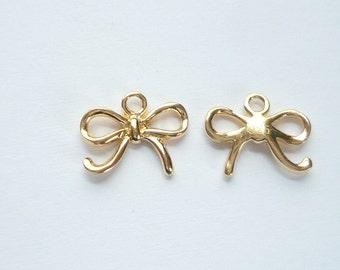 2 pcs Gold Vermeil bow charm (11x8mm).