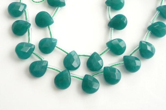 6pcs Green jade,faceted , flat  teardrop briolette beads (9x11mm), 6 PIECES