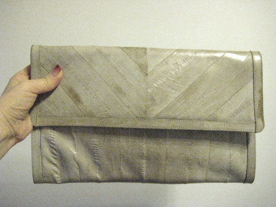Rare 80s Vintage Stone Grey EEL SKIN Clutch Handbag - removable strap - smooth to the touch - 2012 Colour - vintagecheapnchic.etsy.com