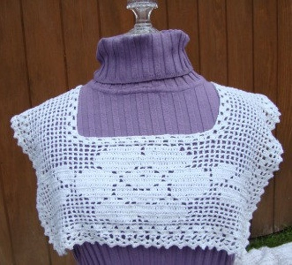 Victorian Filet Rose crocheted collar