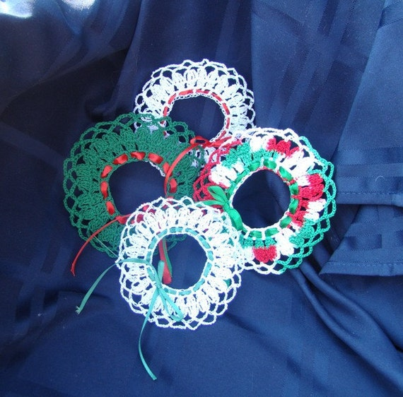 Mini Thread Crocheted Christmas wreath