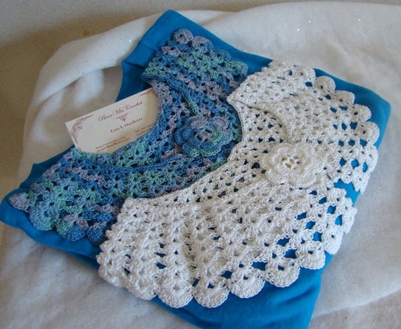 White and blue multicolored crocheted collars and Tshirt