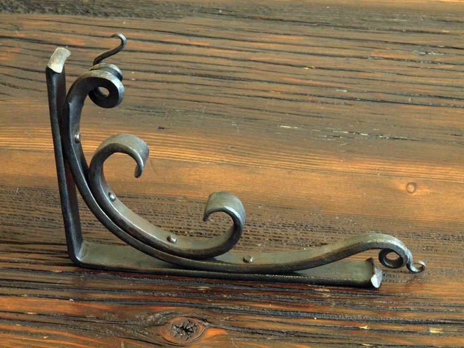 shelf bracket hand forged style 06. Black Bedroom Furniture Sets. Home Design Ideas