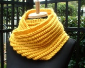 Chunky Knit Cowl, Circle Scarf, Moebius Wrap in Wool, Gold, Mustard, Yellow, Ribbed Stitch