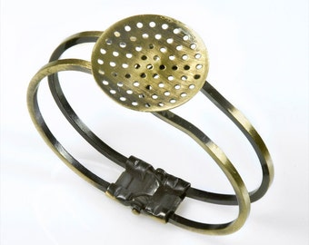 Antiqued Brass Cuff Bracelet with Round Blank for Embellishment AB-O06