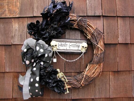 Halloween Wreath - Ghostly Greetings Halloween Wreath
