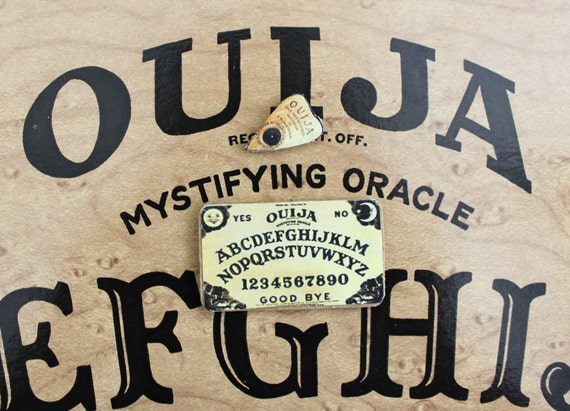Ouija Board Set Miniature in Dollhouse or Playscale