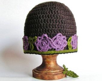 BROWN HAT Beanie With Flower Applique