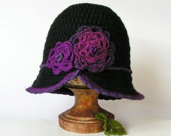 BLACK HAT Cloche Style with Flowers