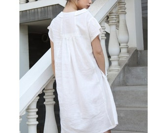Summertime Tea Loose-Fitting Dress with Lovely Collar and Pleats in Back/ RAMIES