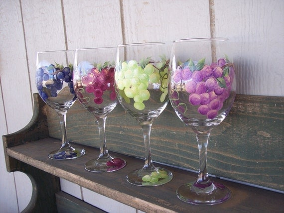 Hand painted wine glasses with grape design set of 4 for Hand designed wine glasses