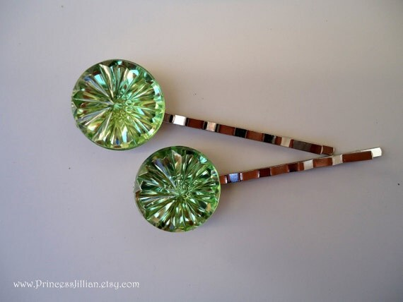 Cabochon hair pins - Apple green starburst TREASURY item