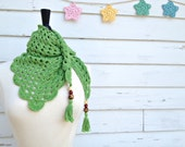 Crochet Triangle Scarf in Green- Boho Gypsy Style Scarf - Wrap with Wooden Beads