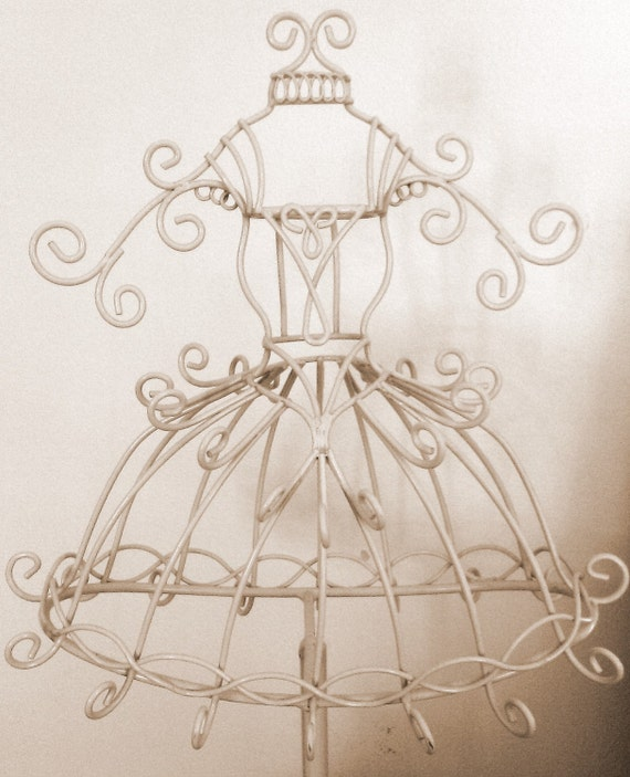 Whimsical Dolly Filigree Shabby Cottage Chic Cream Jewelry Display Stand