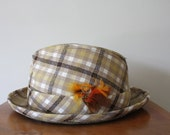 Vintage 1950s Plaid Hat With Feather Size 7 3/8