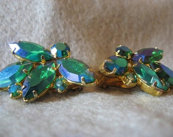 Vintage Weiss Green AB Gold Clip On Earrings