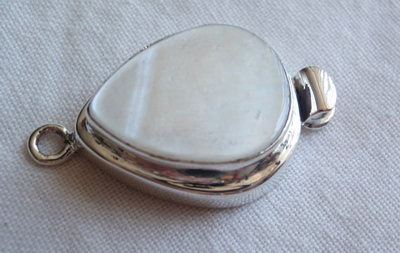 Box Clasp White Mother of Pearl Large Teardrop
