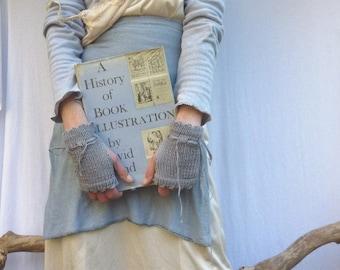 Illustrator Cuffs, hand knitted in gray organic cotton yarn, READY TO SHIP